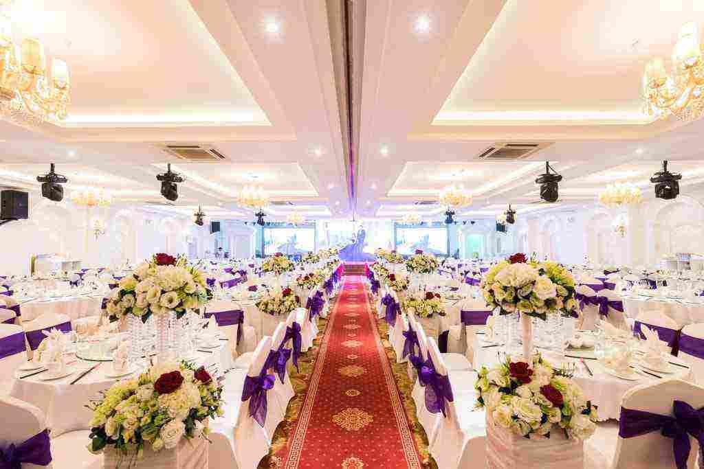 Sảnh Diamond - Gold của nhà hàng tiệc cưới